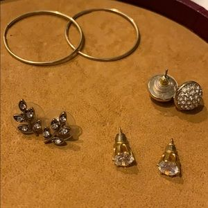 starter earring set